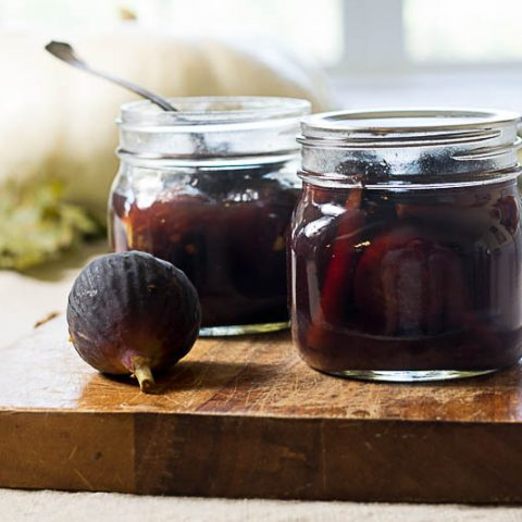 canned-figs-on-cutting-board-1-480×480